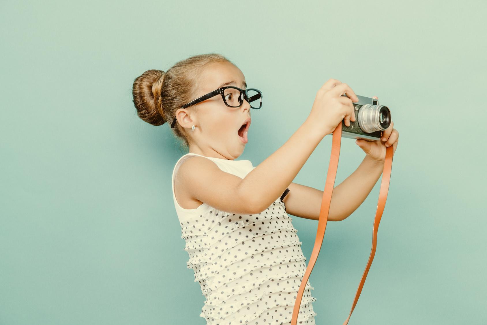 Mädchen macht Fotos